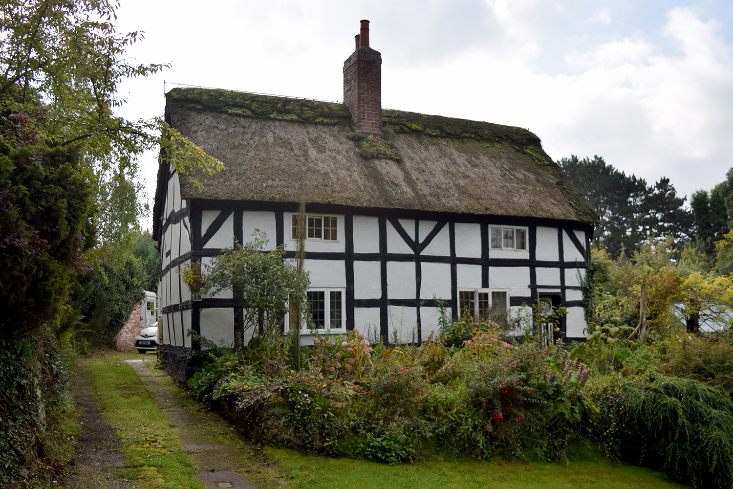 Listed thatched cottage in Blackfordby